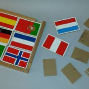 Flaggen - Kartenlegespiel