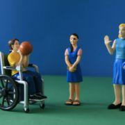 Spielfiguren Freunde mit Behinderungen